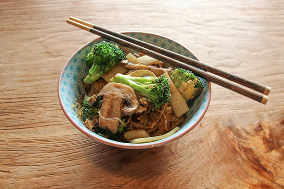 Pad Woon Sen – Grain-Free Stir Fry with Noodles!